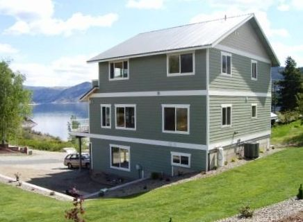 Beautiful Chelan Water Front Home Dock,low Bank.