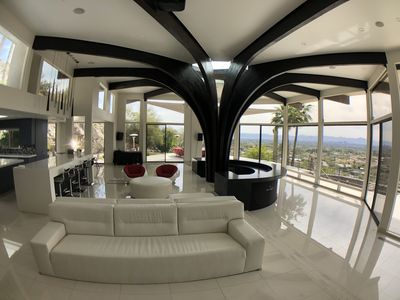 180 degree views from anywhere in the villa