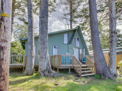 Photo for Cozy A-frame cabin with large deck, 5-minute walk to beach - dogs welcome!
