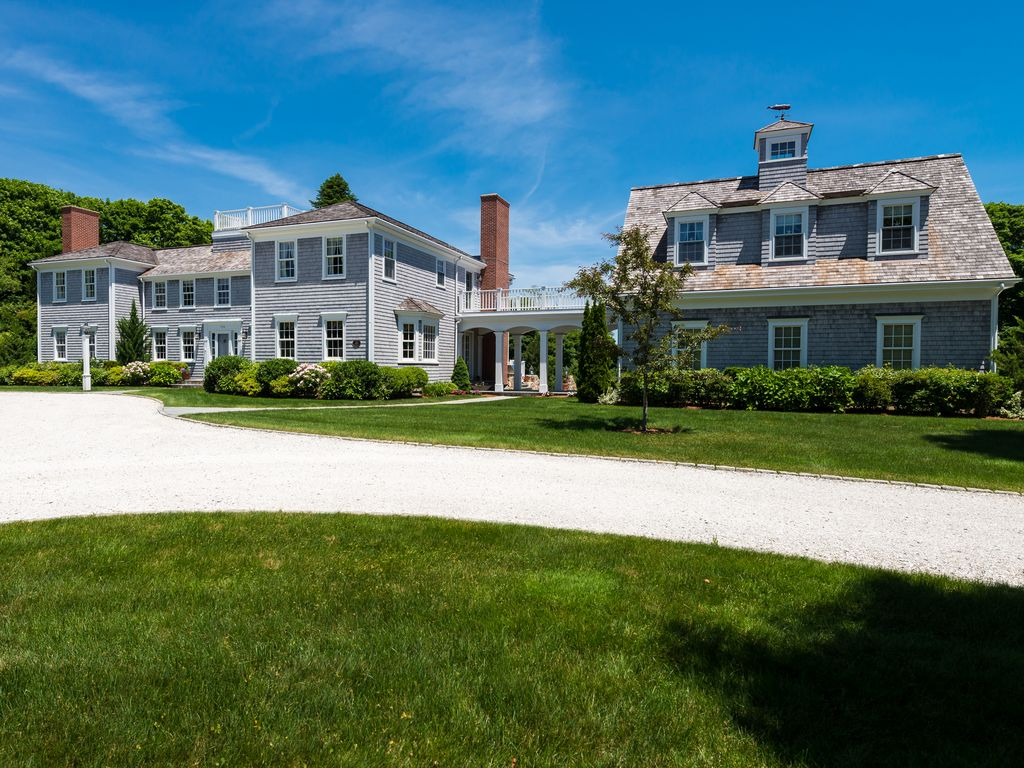 Luxury cape cod rental home with water views near loop for Cape cod luxury homes
