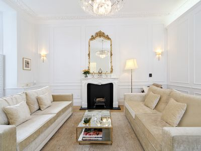 Photo for Luxurious 1 bedroom apt. in the amazing Kensington. Close to the tube (Veeve)