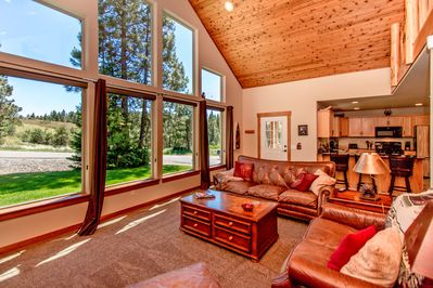 Elk Ridge Chalet - Huge wall of windows helps bring the outdoors in!