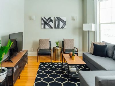 Photo for Chic and Posh Condo | Walk to Wrigley | Cubs | WIFI G1