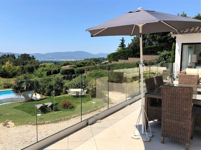 Photo for Beauvallon : Beautiful villa with big terrace sea view, swimming pool, barbecue