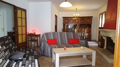 Photo for House sleeps 5: Wi-fi, above ground pool, 2 bedrooms 896 € per week.