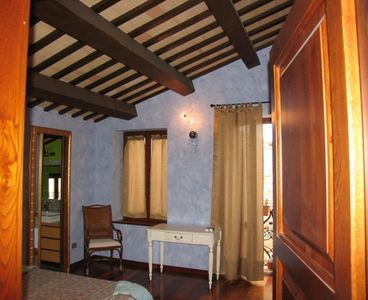 Photo for Independent lodging: XIV CENTURY house in MEDIEVAL town between SEA and MOUNTAIN