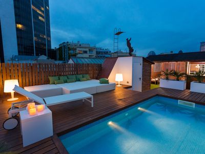 Photo for Amazing penthouse with private pool at the centre of Barcelona
