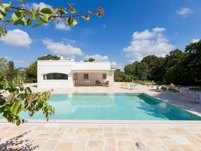 Photo for Villa Casabianca: ultimate relaxation in the finest renovated villa with stunning pool
