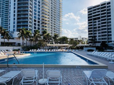 Photo for Nice family-friendly Hollywood Beach Oceanfront rental, 1BR/1.5BA