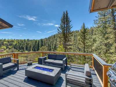 Photo for Dog-friendly mountain lodge w/ great views, furnished porch & gas firepit!