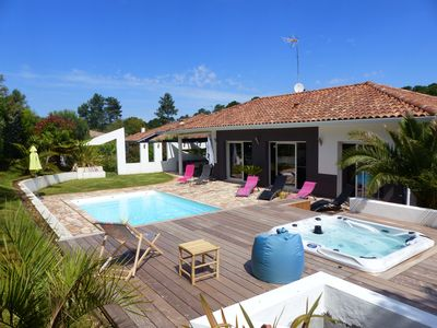Photo for Modern villa with pool and SPA for 8 people. Very nice services