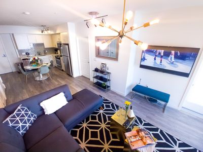 Photo for 6 ★LUXURY CHIC 2 BED 2 BATH STAPLES/CONVENTION CNTR