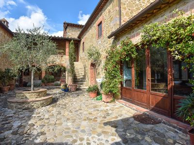Photo for Charming Villa, Large Pool and Garden, Close to Siena, Chianti Area
