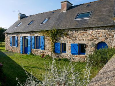 Photo for Charming house, quiet, 10 minutes walk from the Trieux and the GR34.