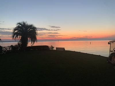 Gorgeous Lake Front Home - Stunning Views and Sunrise over the Water