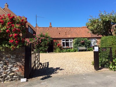 Photo for Rose cottage 500yds from the sea.