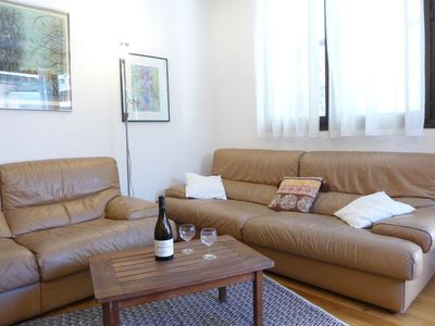 Photo for 3 bedroom Apartment, sleeps 6 with WiFi and Walk to Shops