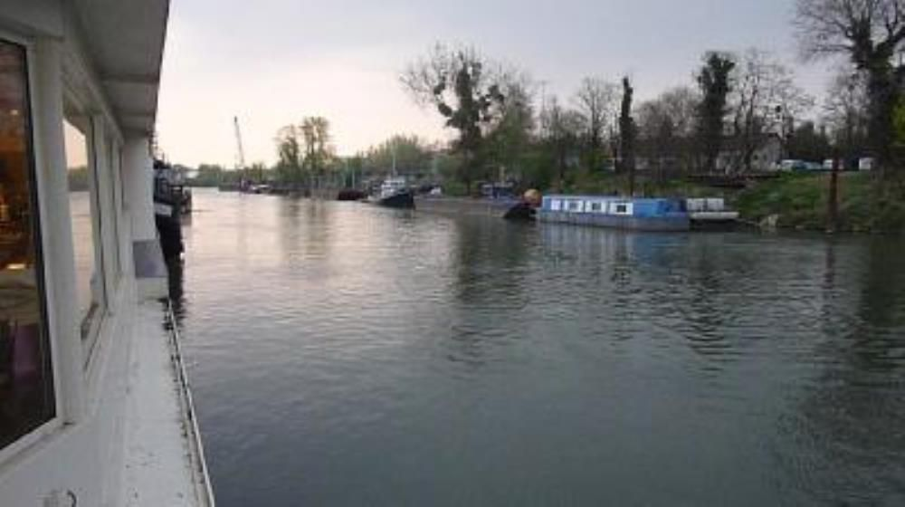 Boot am wasser fluss see in le port marly mieten - Point p port marly ...