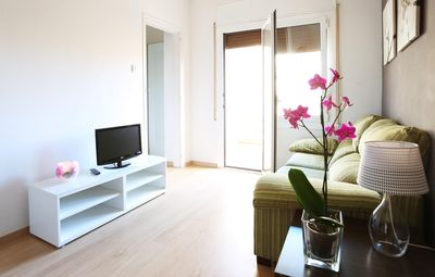 Photo for NEW Sagrada Familia apartment. Free Wifi, 3 bedrooms, air conditioning