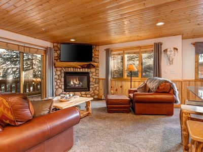 Photo for Two Master Suites 5 Min to PC Canyons Village Cabriolet, Sleeps 6, Hot Tub