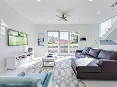 Photo for Luxe 4BR w/ Pool, Spa, Chef's Kitchen - Walk to Beach, Restaurants, Boutiques