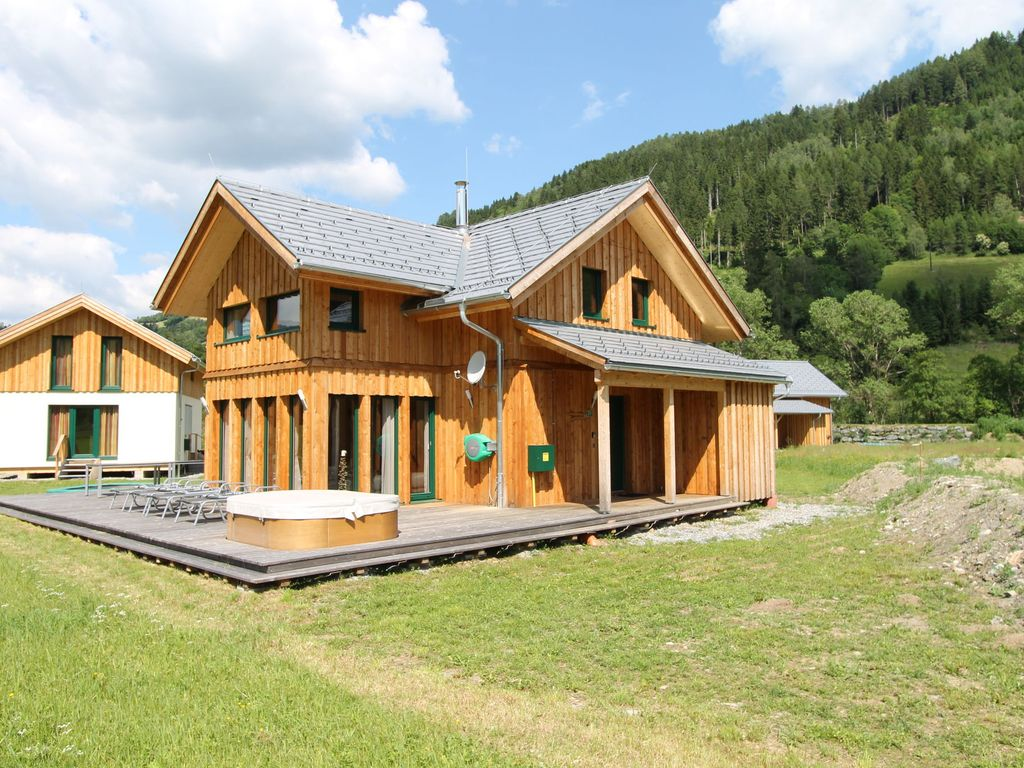 luxury wooden chalet with in house wellness and jacuzzi close to the kreischberg murau. Black Bedroom Furniture Sets. Home Design Ideas