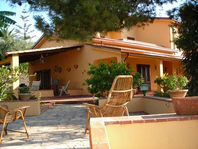 Photo for Villa 'The Plumbaco' with a large veranda and lush garden. At 5 minutes from the sea