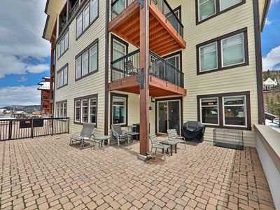 Photo for Corner Unit with View and Patio! Awesome amenities and 3 min walk to lift!