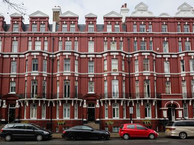 Photo for A 1 bed flat located in a beautiful central London red brick mansion (Veeve)