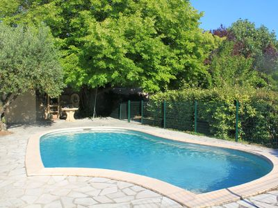 Photo for T2 in Uzès with Pool, Clim, Parking space and Wifi
