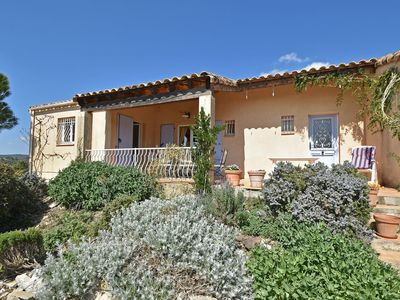 Photo for Single storey villa with private pool and large garden on the edge of wine village