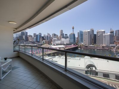 Photo for Darling Harbour Apartment with Parking, Views Pool