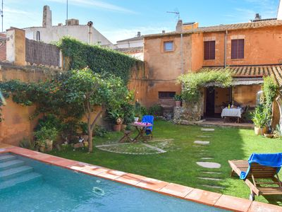 Photo for Town centre villa with a variety of cultural and sports facilities. 3Km from sea