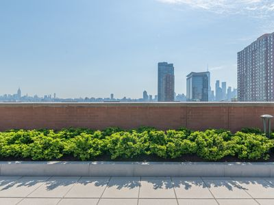 Photo for 2BR Apartment Vacation Rental in Jersey City, New Jersey