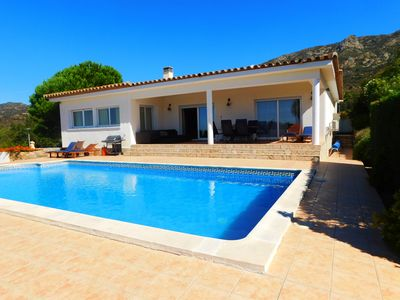 Photo for Beautiful holiday house with pool in Bellavista, Costa Brava