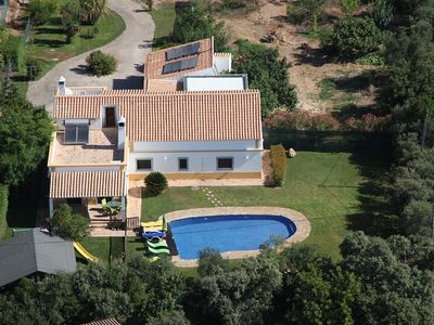 Photo for Beautiful villa, pool, garden, superb views over the hills, WiFi