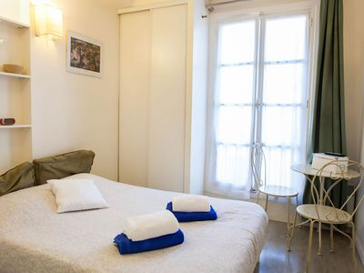 Photo for Lapin Agile II apartment in 18ème - Montmartre with WiFi & lift.