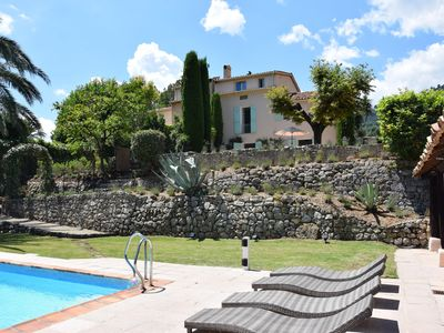 Photo for SUN DRENCHED LUXURY VILLA ON THE CÔTE D'AZUR with pool, bar, bbq area, AC, & gym