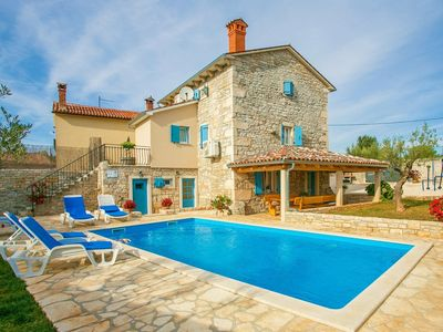 Photo for Pets Friendly, Fully Fenced Villa Angela with Pool