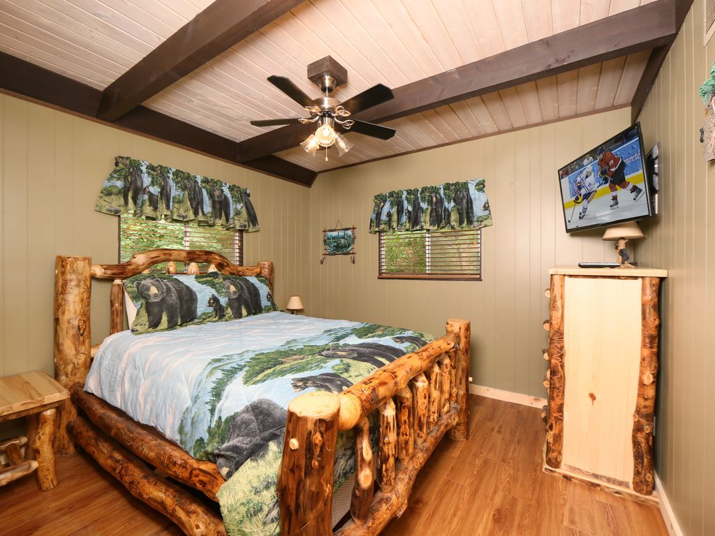 Million Dollar View A 4 Bedroom Cabin Near Downtown Gatlinburg Tennessee Chalet Village