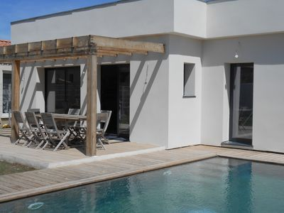 Photo for Villa with pool near Avignon