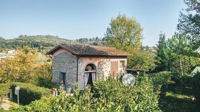Photo for Hayloft located inside an historical Villa of the 14° century a few steps from Florence