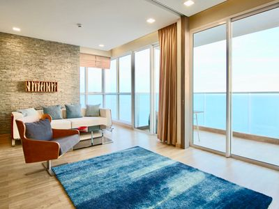 Photo for Dasiri Jomtien Beachfront 2BR 45. Floor long-stay apartment