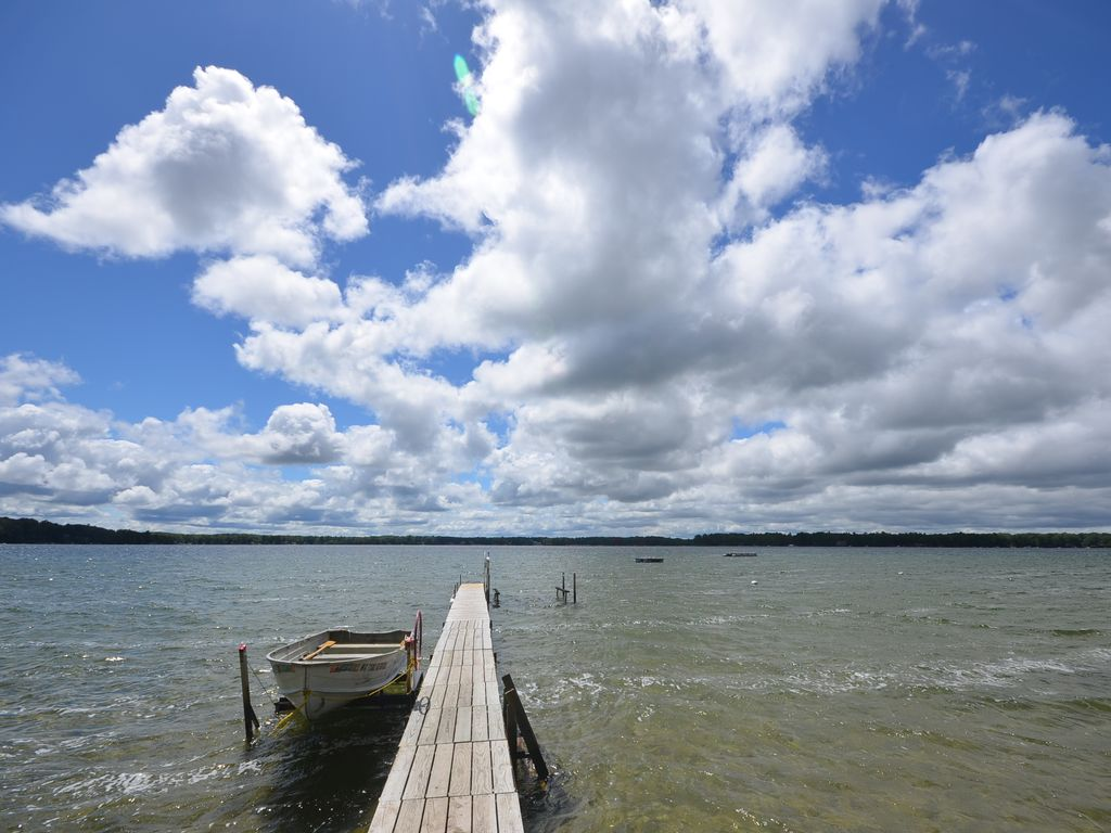 Traverse City Long Lake Dock Sleeps 11 Pet Fireplace Near