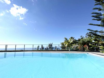 Photo for Ample villa with pool and gorgeous ocean view