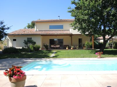 Photo for Recent house of 160m² with private pool.  For 6 to 8 people.
