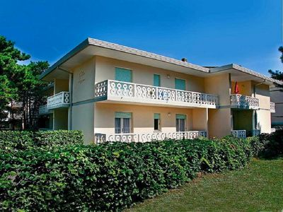 Photo for Holiday apartment near the spa with air conditioning and parking