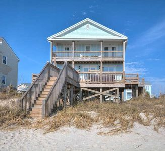 Photo for Beautiful, OCEANFRONT 5 Bedroom/3 Bath Home With HOT TUB-Sleeps 10