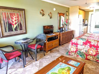 Tropical living area in Napili Bay 210