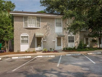 Photo for Townhouse in Convenient St. Simons Village Location. Walk to Village and Pier!